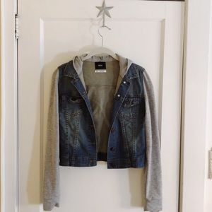 Jean jacket with cotton grey sleeve